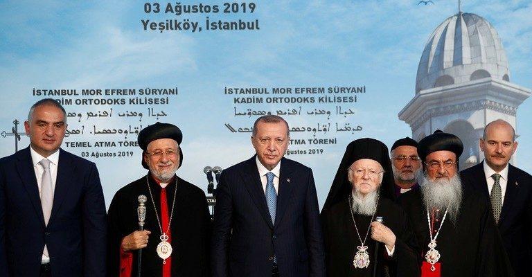 Türkiye Cumhurbaşkanı Recep Tayyip Erdoğan, Türkiye'deki ilk Ortodoks Kilisesi'nin temel taşını attığı törende