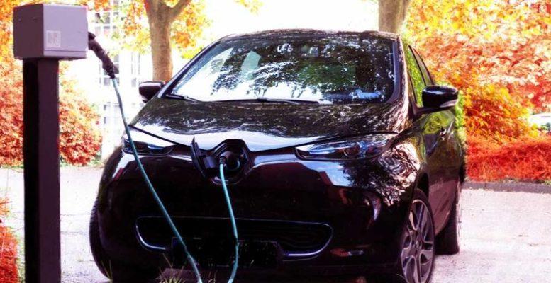 Şarj Olan Elektiriki Araba