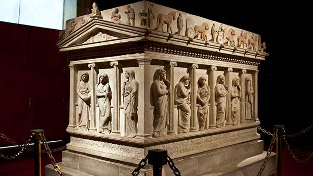 İstanbul Arkeoloji Müzesi / Ağlayan Kadınlar Lahdi